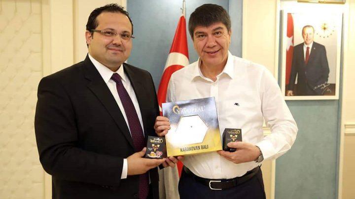 Ürünlerimiz Genel Müdürümüz İbrahim YAVUZ tarafından Antalya Büyükşehir Belelediye Başkanı Sn.Menderes TÜREL'e takdim edildi…